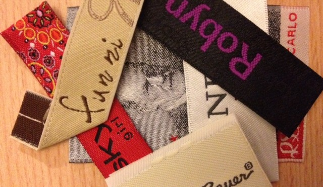 4 Woven labels